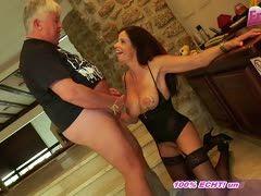 Mit strapse sex German milf